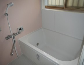 LIXIL アライズNに浴室リフォーム。キレイ浴槽でお手入れ簡単! LIXIL アライズ 設置写真