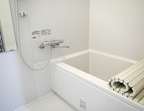 シンプルでスタイリッシュなバスルームに  UBリフォーム TOTO WH 設置写真
