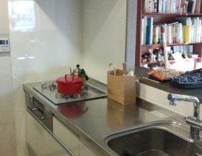 陽射しが入るキッチンで料理が楽しくなりました クリナップ クリンレディ 設置写真