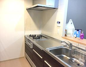 モダン生まれ変わったキッチン キッチンリフォーム クリナップ  クリンレディ 設置写真