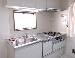 多彩なデザイン&機能 こだわりのキッチンへ♪ ラクエラ キッチンリフォーム クリナップ ラクエラ 設置写真