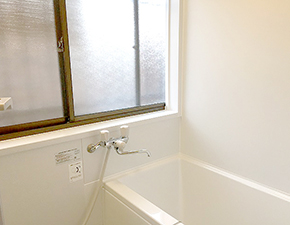 シンプルなのにコスパに優れた多機能バスルーム ユニットバス TOTO WH 設置写真
