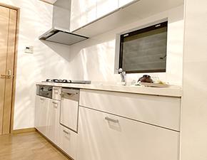 大型収納が魅力的なキッチン LIXIL シエラ
