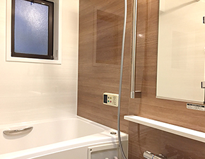 浴槽が広くなりのびのび!LIXIL リノビオフィットシリーズ 設置写真
