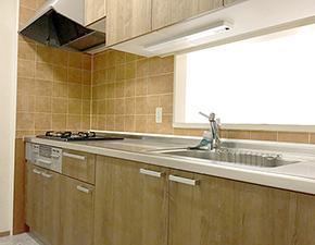 キッチンとバスルームをリフォーム まるで新築のような空間に クリナップ ラクエラ LIXIL BWシリーズ 設置写真